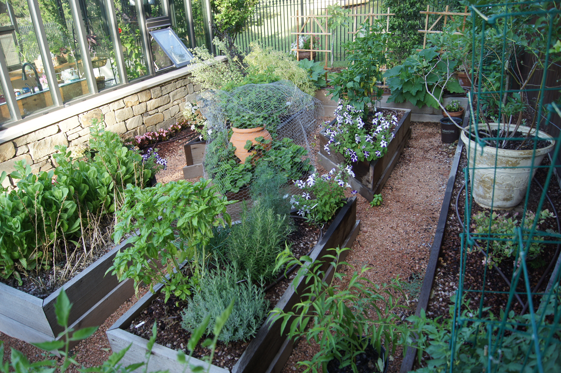 potager-w-greenhouse