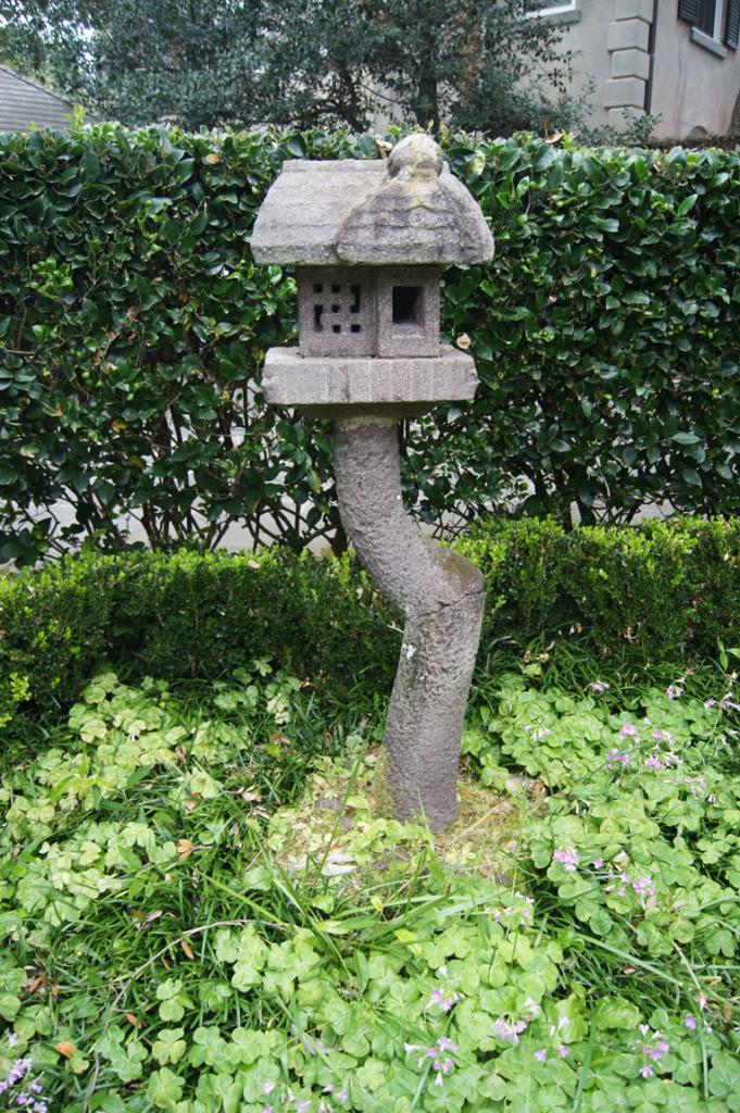 stone-bird-house